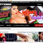 Moms Lick Teens Discount On